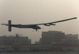 أول طائرة بالطاقة شمسية تجوب العالم تهبط في الهند